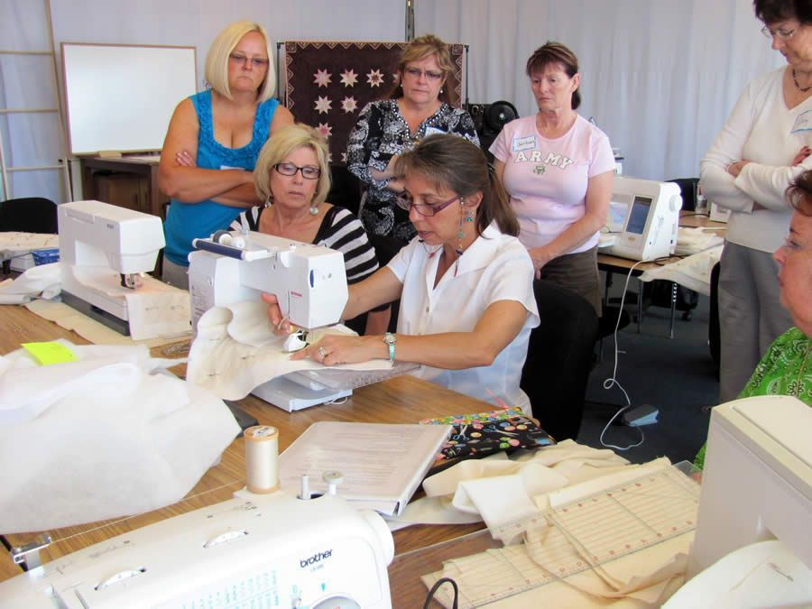 Cindy teaching Beginning Machine Quilting class